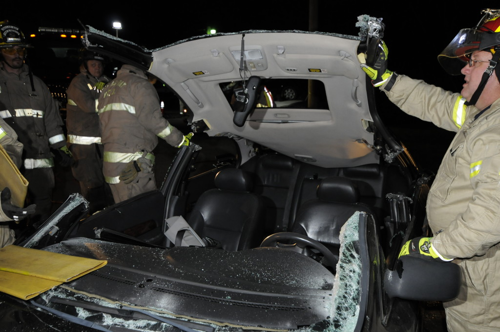 Fire Department Extrication November 2014_0178