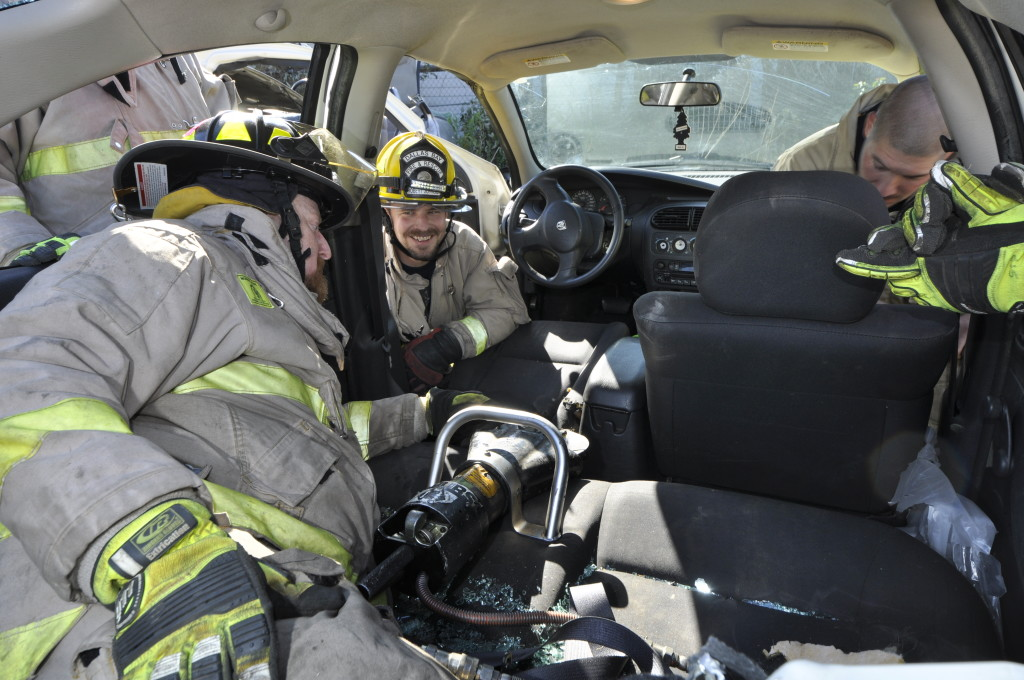 Fire Department Extrication November 2014_0759